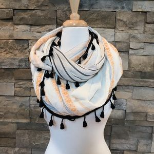 Accessories - Colorful tassel infinity scarf